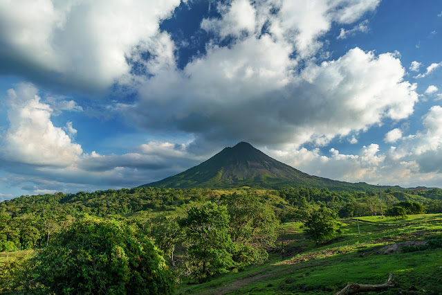 best places around the world for cheap destination weddings, Costa Rica