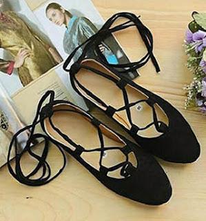 Sepatu model flat bertali untuk wanita berkaki besar