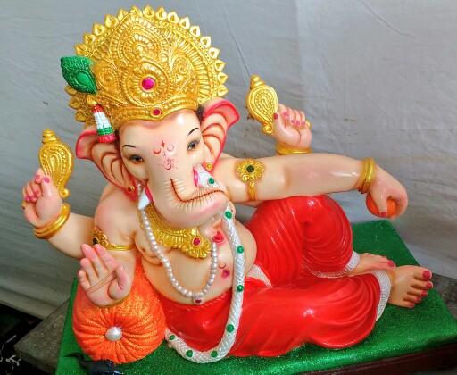 Image result for भगवान गणेश की इस रंग की प्रतिमा का होता है