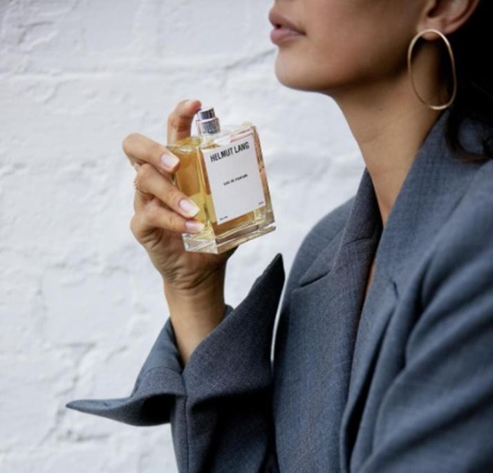 parfemi-žena-drogerija-miris-božić-aroma