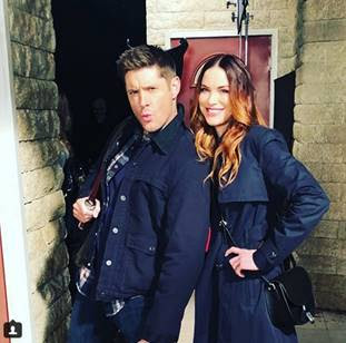 http://ew.com/tv/2017/12/15/danneel-ackles-photo-supernatural-set/