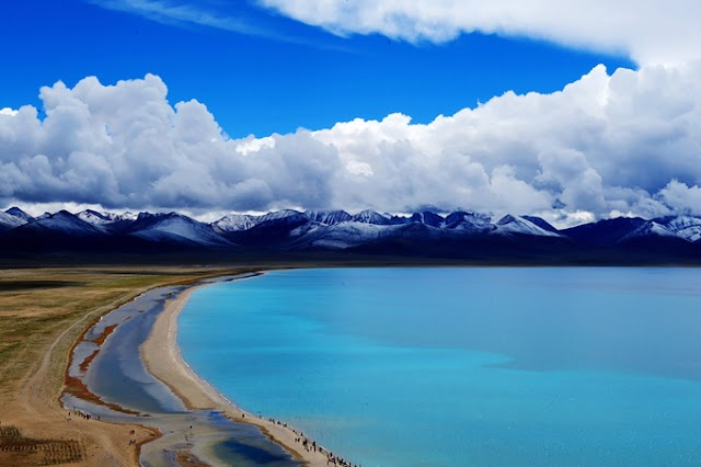 Tibet is covered with white snow in the winter