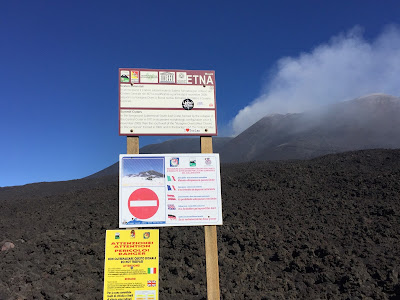 Mount Etna - Vietato oltrepassare questo limite – It is forbidden to go beyond this limit