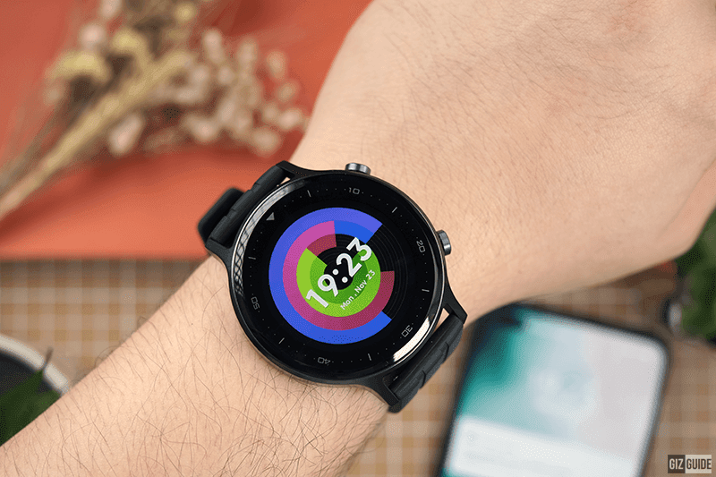 realme Watch S is loaded with helpful features