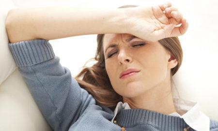 Cara Mengatasi Sakit Kepala Sebelah Saat Menstruasi (Haid)