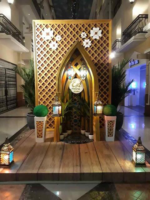 Photobooth dekorasi ramadhan dan Idul Fitri di gedung mall Darmawangsa Square Jakarta, menggunakan bahan Styrofoam di campur triplek multiplek plywooddan sebagainya