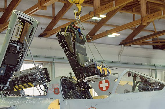 Mirage IIIS J-2331 Einbau Martin Baker Mk.IV SRM.6 Schleudersitz
