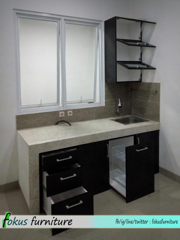 Lemari pintu geser dan kitchen set di Bintaro Furniture