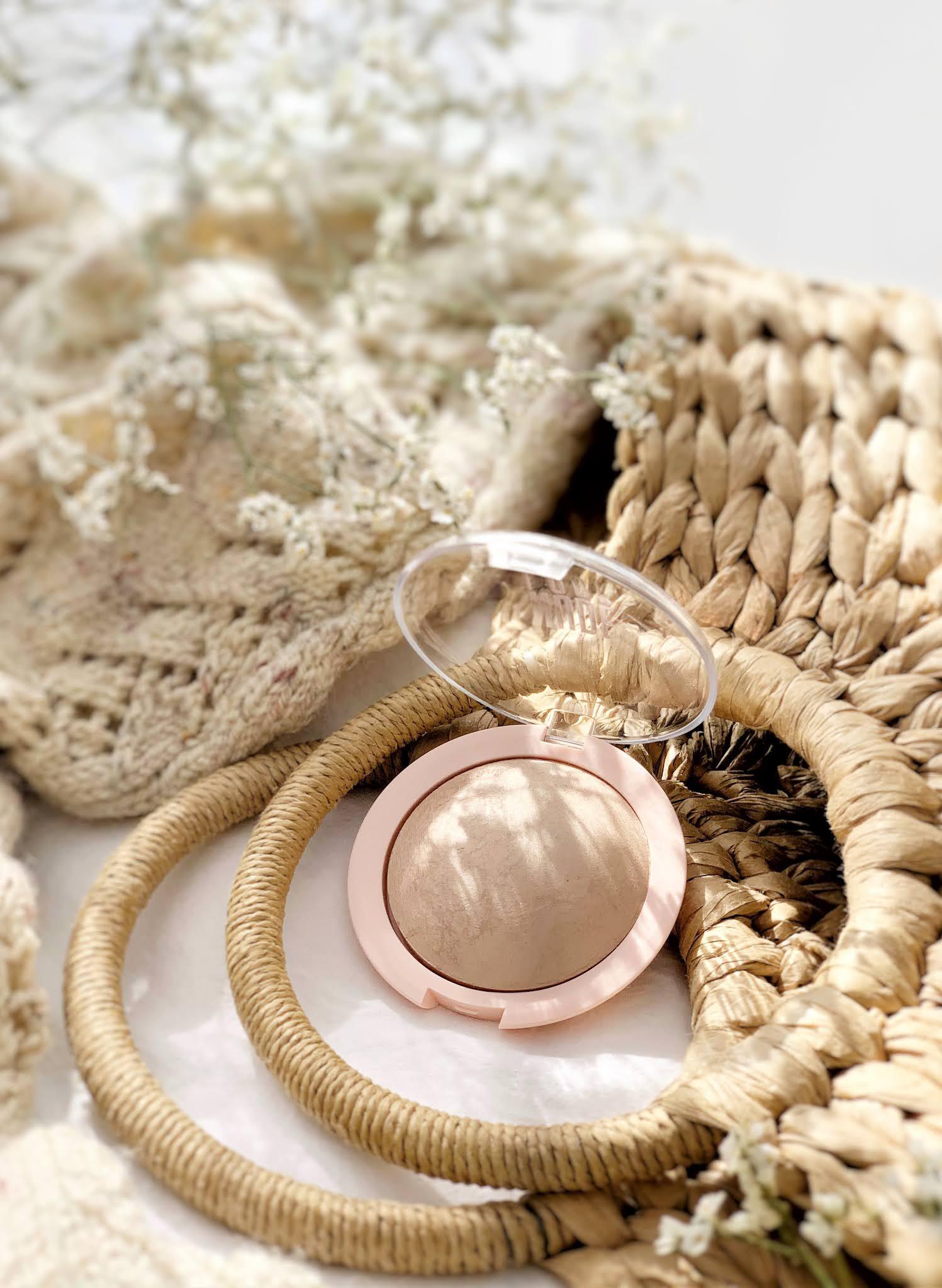 Wypiekany-puder-rozswietlajacy-Golden-Rose-Nude-Look-Sheer-Baked-Powder