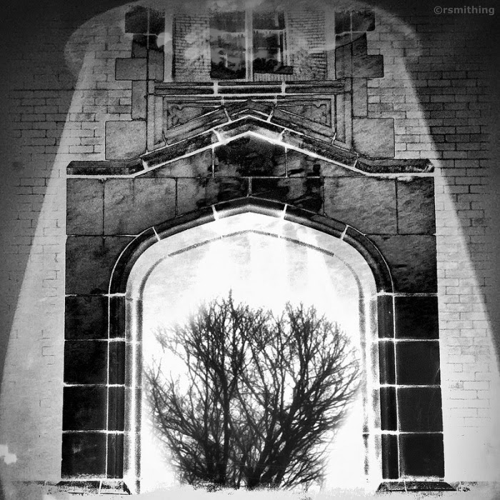 12-Trade-Street-And-Tree-Richard-Smith-Black-and-White-Photographs-of-Surreal-Realities-www-designstack-co