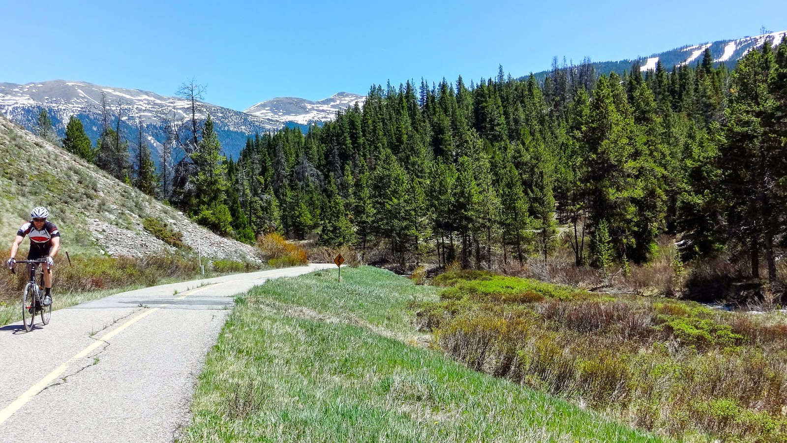 Riding a bike from Copper Mountain to Vail Pass