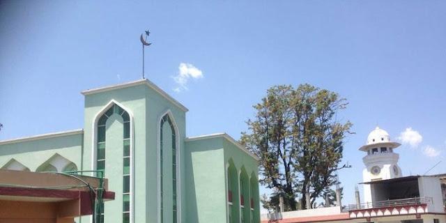 5 Masjid Berdiri Kokoh Meski Bangunan Di Sekitarnya Hancur