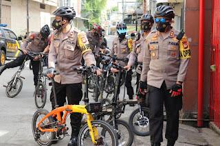Beri Rasa Aman Hari Libur Imlek 2021, Kapolres AKBP Kadarislam Patroli Sepeda