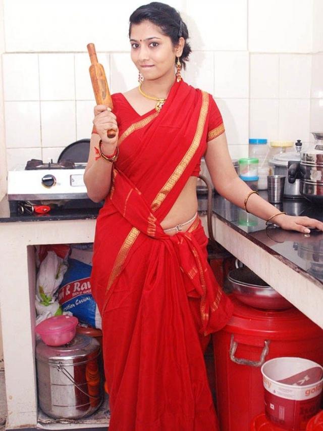 Tamil House Wife Sexy Photos