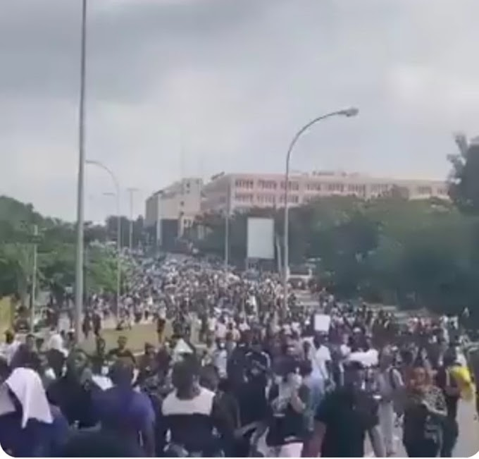 Huge crowd gather in Abuja for renewed End SARS protest