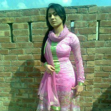 Priyanka chopra flaunting her sexy legs