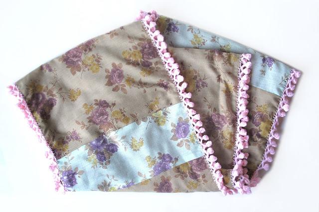 DIY: oneindige sjaal met pomponnetjes : het gestikte deel