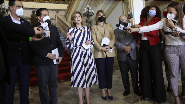 Gran escarceo ha provocado anuncio del Gobierno que pondría una tercera dosis de vacuna contra el Covid-19