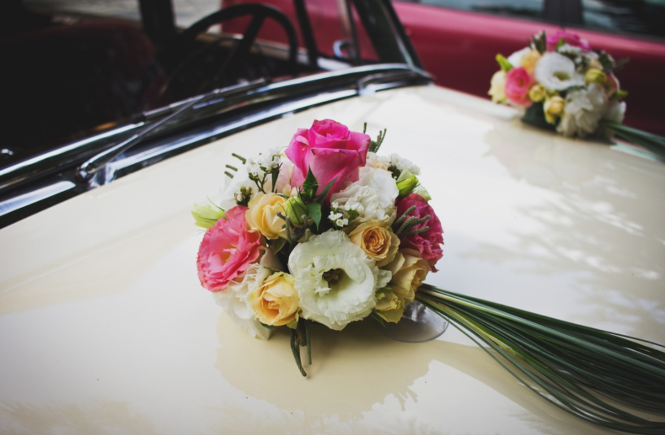 Wedding Car Decorations: Facts about Decorating the Wedding Car