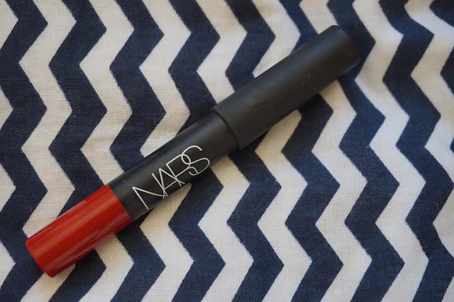 rouge-favoris-red-lipsticks-revue-avis-swatches-velvet-mat-nars-cruella