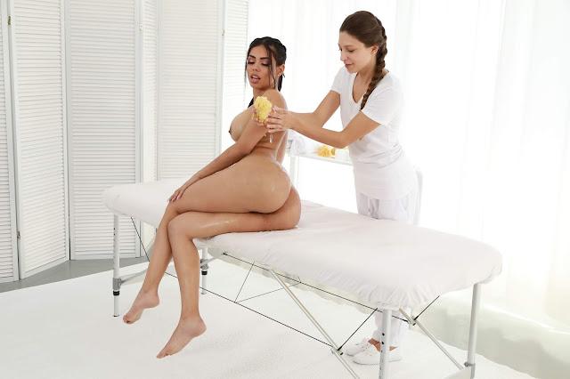 Canela Skin sitting complete naked massage
