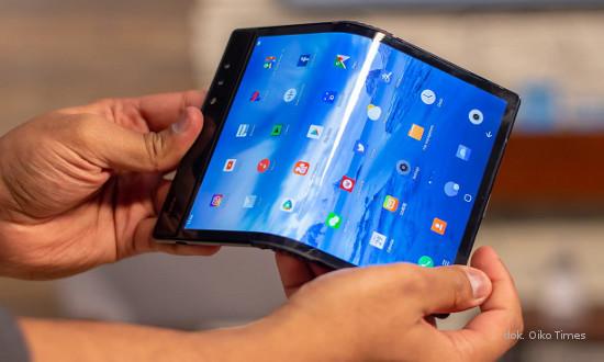 Terungkap! Xiaomi Kembangkan Ponsel Layar Lipat Berkamera 108MP