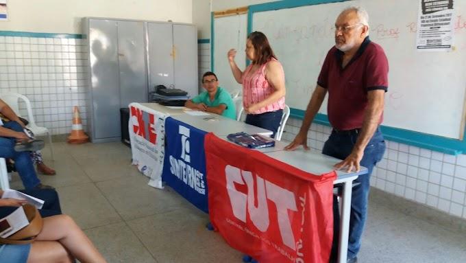 SINTE/RN: Imagens da assembleia dos Professores e Funcionários realizada ontem na escola Bittencourt.