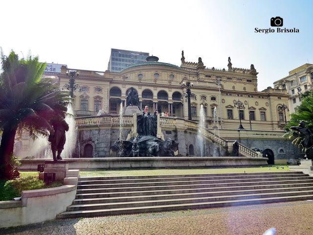 Fotocomposição com o Monumento a Carlos Gomes e Theatro Municipal - São Paulo