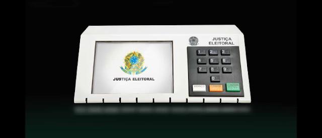 Supostos hackers são presos cobrando R$ 5 milhões para alterar resultado da urna eletrônica.