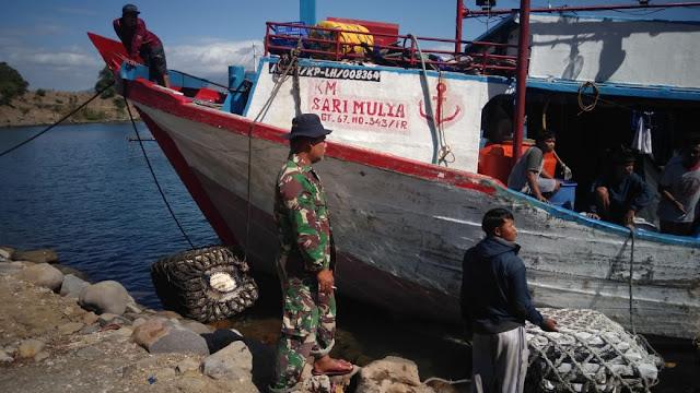 Pos Pengamat TNI AL Kolo , Evakuasi ABK Kapal Ikan  Sari Mulya Gt.67