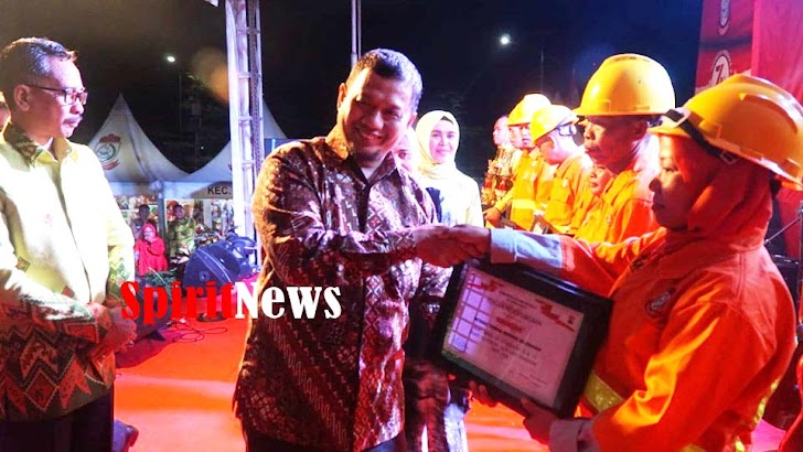 Pj. Walikota Makassar Beri Penghargaan Kepada Satgas, Petugas Tangkasa Dan Fukuda Kecamatan Tallo