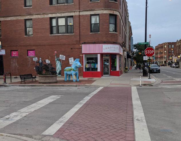 Foto seni publik diambil dengan Google Pixel 5