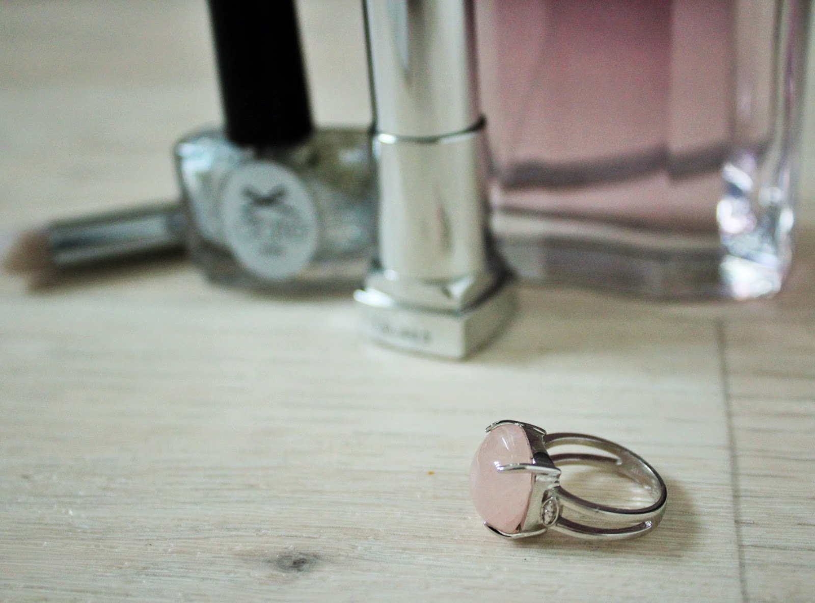 Morganite and Sterling Silver Cocktail Ring from Gemporia - Perfect for Christmas Parties