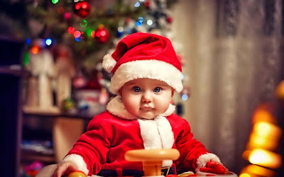 babu-in-christmas-dress-walls-imgs