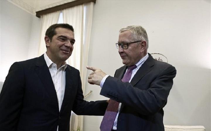 Κλ. Ρέγκλινγκ σε Αλ. Τσίπρα: Η Ελλάδα πρέπει να τηρήσει τους στόχους των πλεονασμάτων