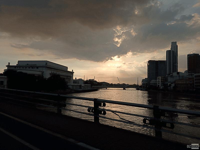 Nice silhouette shot on a bridge