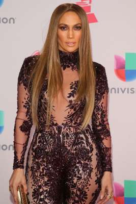 Jennifer Lopez Cancels New Year's Eve Appearance to Spend Time with Family After 'Crazy Year'