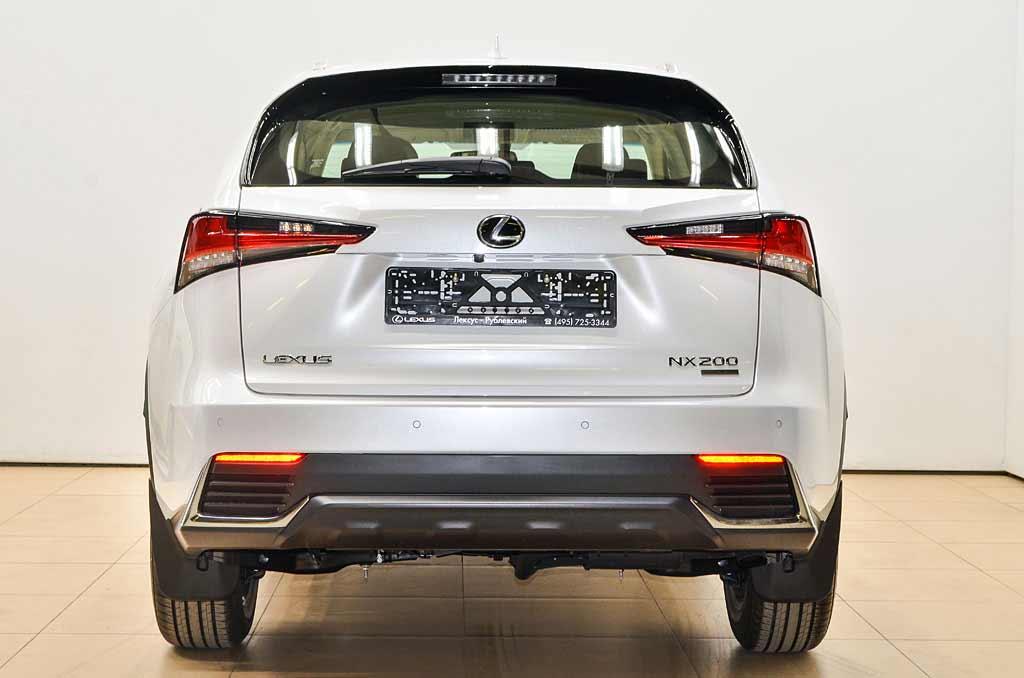 Lexus NX200 фото сзади