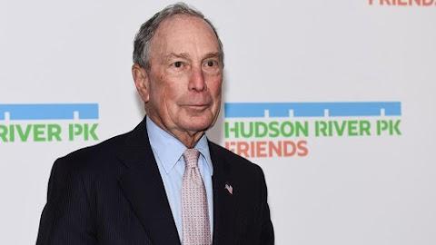 Amerikai előválasztás: rasszizmus gyanújába keveredett a demokraták elnökjelöltségére pályázó Bloomberg