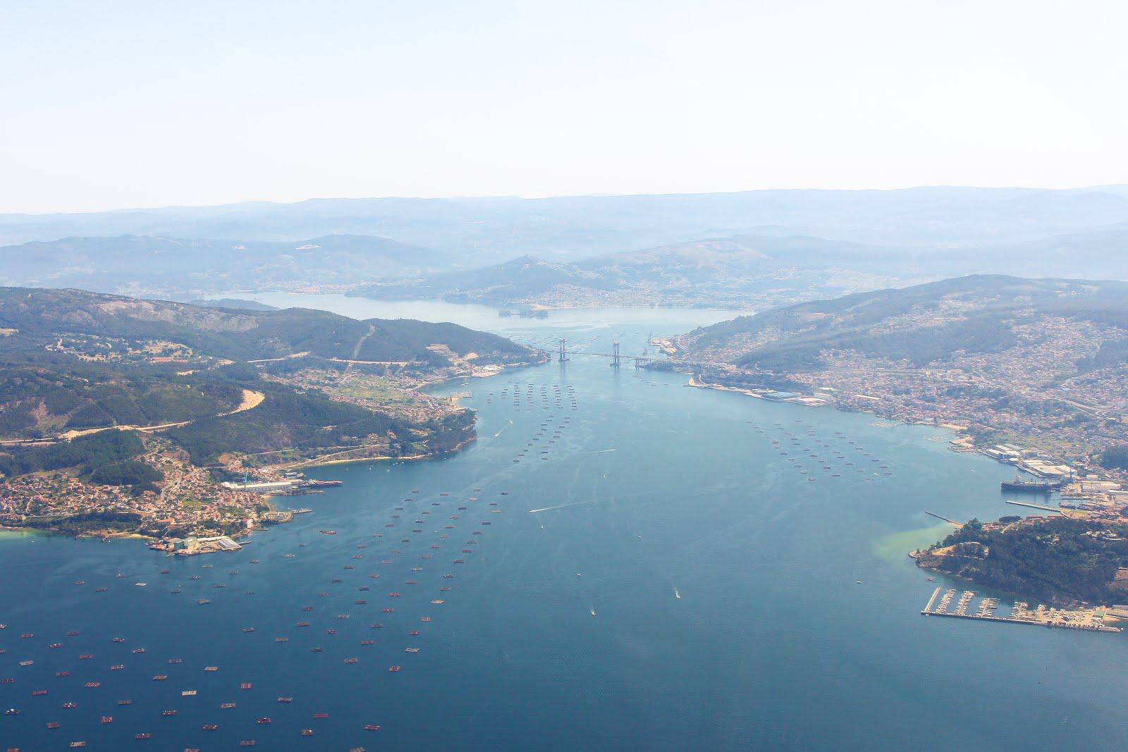 Vista Aerea del puente de Rande y la ría de Vigo