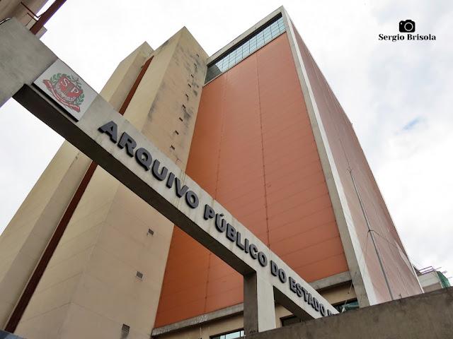 Perspectiva inferior das fachadas do Edifício do Arquivo Público do Estado de São Paulo - Santana - São Paulo