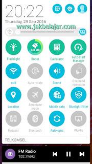 Tampilan smartphone dengan Bluelight Filter bawaan smartphone diaktifkan