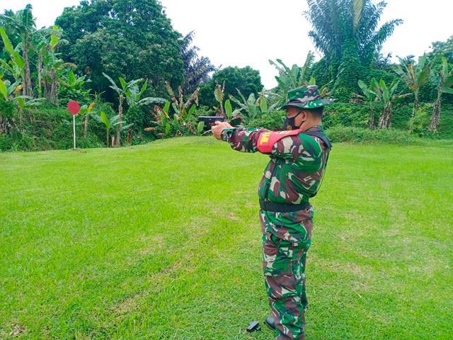 Asah Kemampuan Personel Kodim 0207/Simalungun Laksanakan Latihan Menembak Senjata Ringan