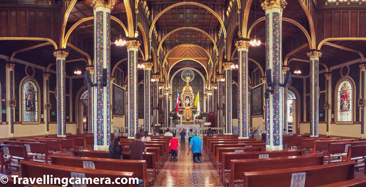 Above photograph shows main prayer hall of Basilica of Los Angeles at Cartago. If you notice the couple in Blue/Red, they are crawling towards the main worship place. They started crawling from main gate of Basilica of Los Angeles. There were lot of people like this who were crawling on their knees while entering into the Basilica.