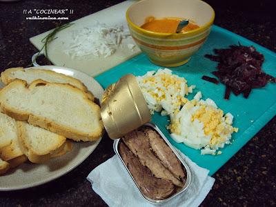 tostas con salmorejo de cecina melva y huevo ingredientes