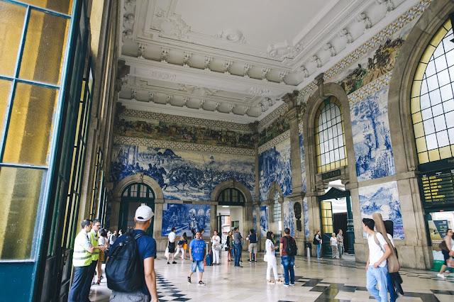 サン・ベント駅(Estação de São Bento)|メインフロアー