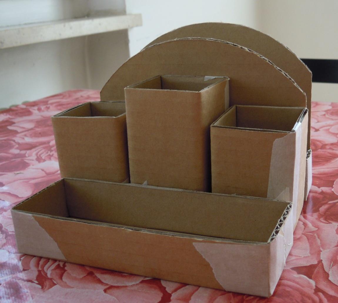 Si può fare così: Portapenne di cartone e stoffa