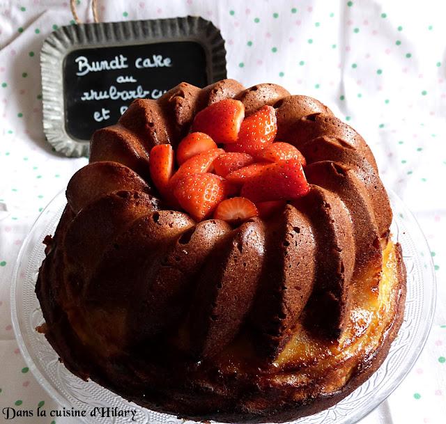 Bundt cake au rhubarb curd et à la fraise