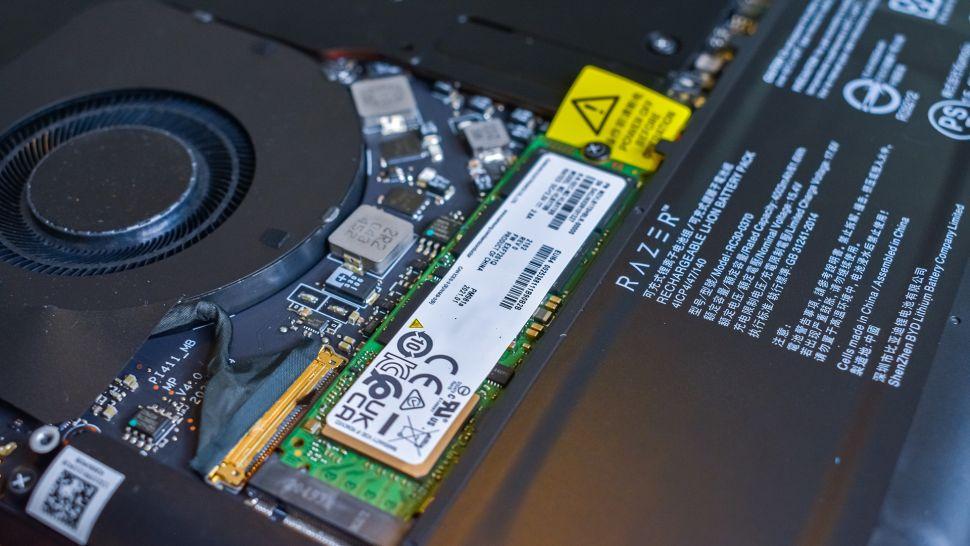 Đánh giá nhanh laptop Razer Blade 14 phiên bản 2021