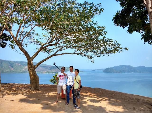 Objek Wisata Sumatera Barat Puncak Mandeh